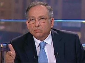 """ممدوح حمزة: قرار منعى من السفر """"ظالم وهايف"""" ولن أتخلي عن دعمي للثوار"""