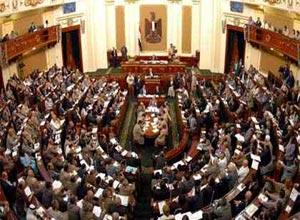 ممدوح حمزة : مجلس الشعب ليس الأحق بالسلطة